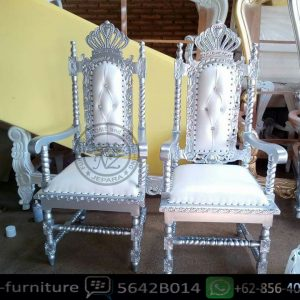 Royal princes chair
