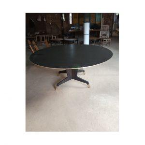 meja bundar modern