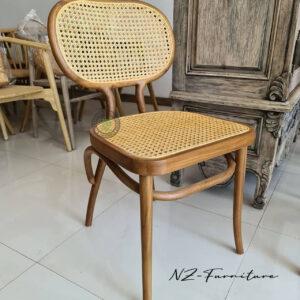 Kursi Cafe Bistro Anyaman Alami