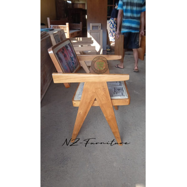 Kursi Cafe Berlengan Kayu