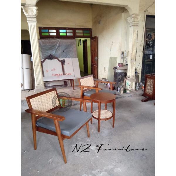 Kursi Teras Jati Dengan Bantalan Kursi